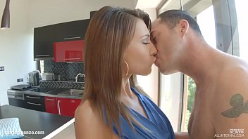 de videos posiciones xxx Slutwife s husband likes her to feed on my seed