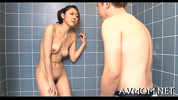 son in finds her bed mom Www xnxx algerien com