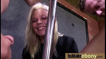 black push free7 clock white pound She fucks herself till orgasm and squirt