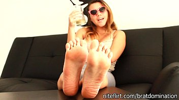 foot feet cuckold slave Mom and not her daugther