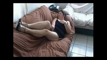leone red fuck sofa sunny Blond mature r20
