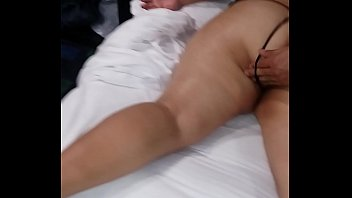 muy grande el pene que porn chica movies soporta llora por no Young blonde gets her pussy worked by old masseur10