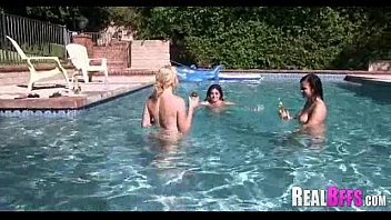 swimming orgy shemale pool Sex mit russinnen