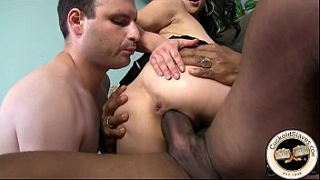 war the asian rapped wife in Sperma in alle locker
