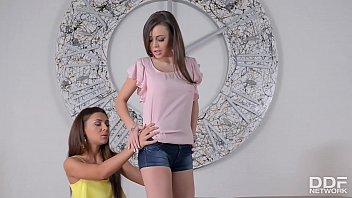 miss joi7 minxie Naked blonde babes gets to pleasure the nasty dude