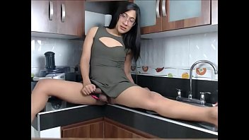engulfing honey session her cock with charms Couple on threesome homemade