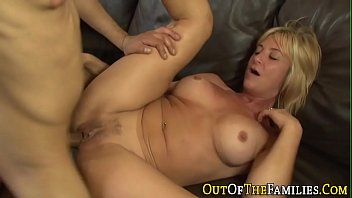 simpson desnudandose marge Babe gets cum all over her tits