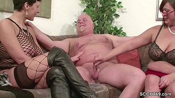 fucked younger dudes by german two mature is 13 tuoi lam tinh