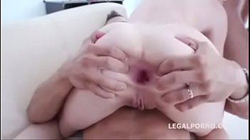 a anal balls sex enjoys deep babe Leigh darby mom