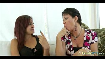 mother teaches a daughter her to on black man white how suck Abuelas cachando rico